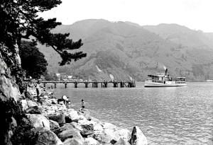 海津桟橋 汽船の出港